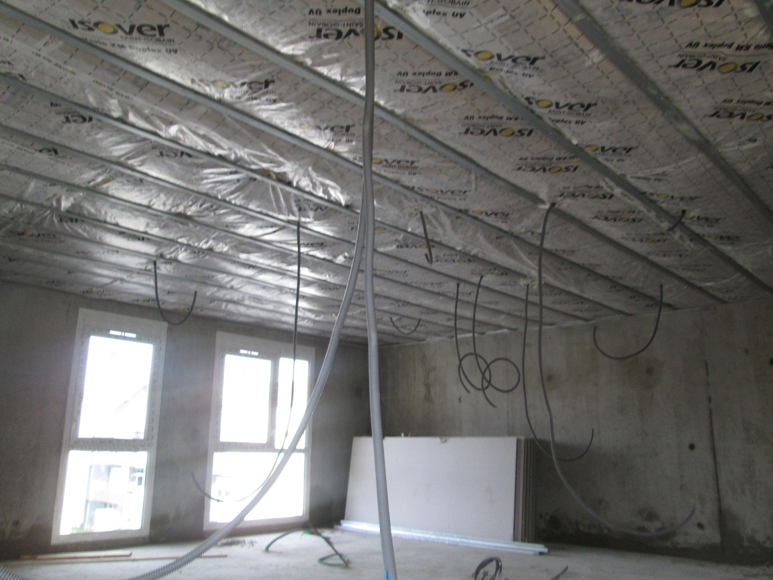 Faux-plafonds isolés & pare-vapeur