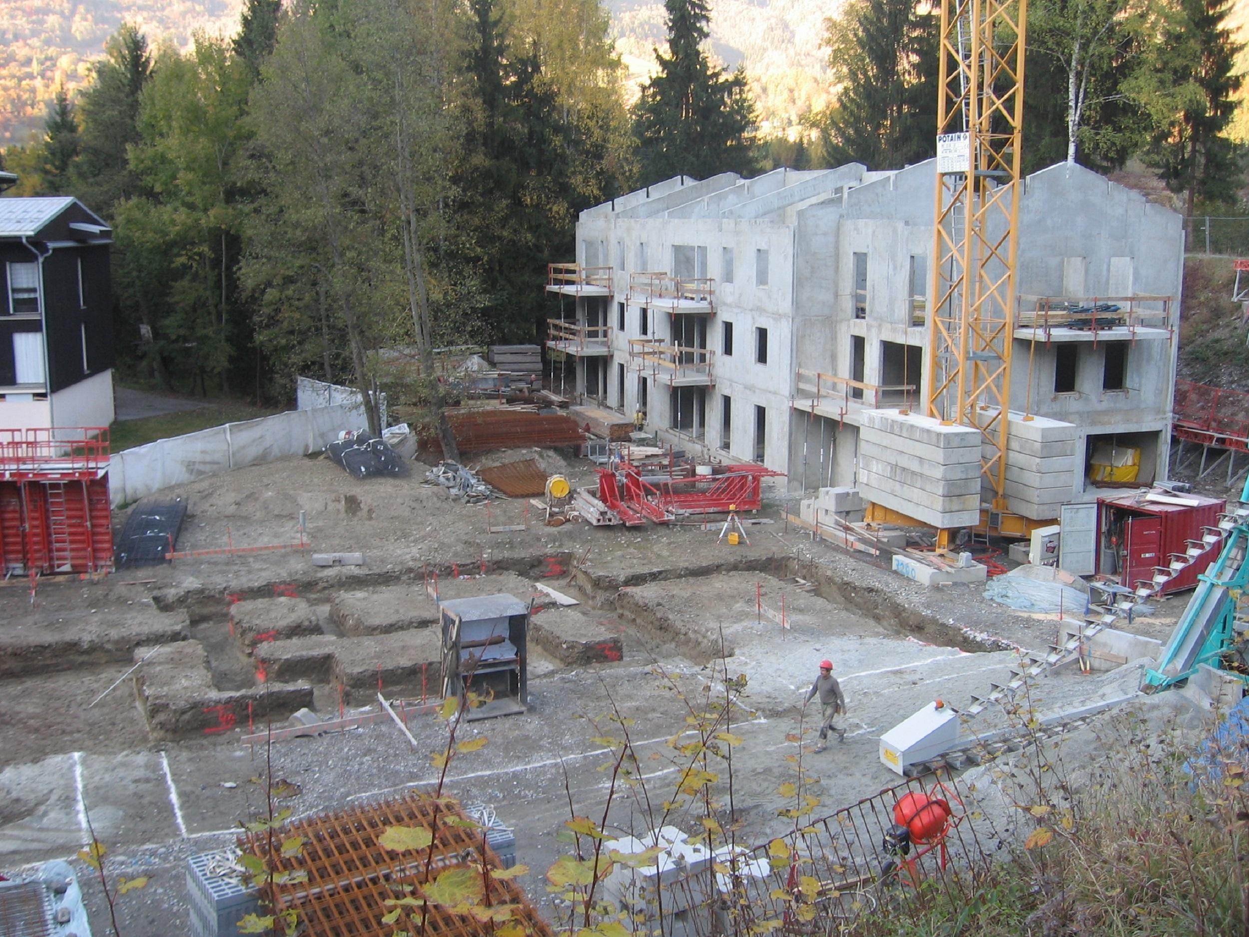 Bâtiment B, Gros-Œuvre terminé & Démarrage du Bâtiment A