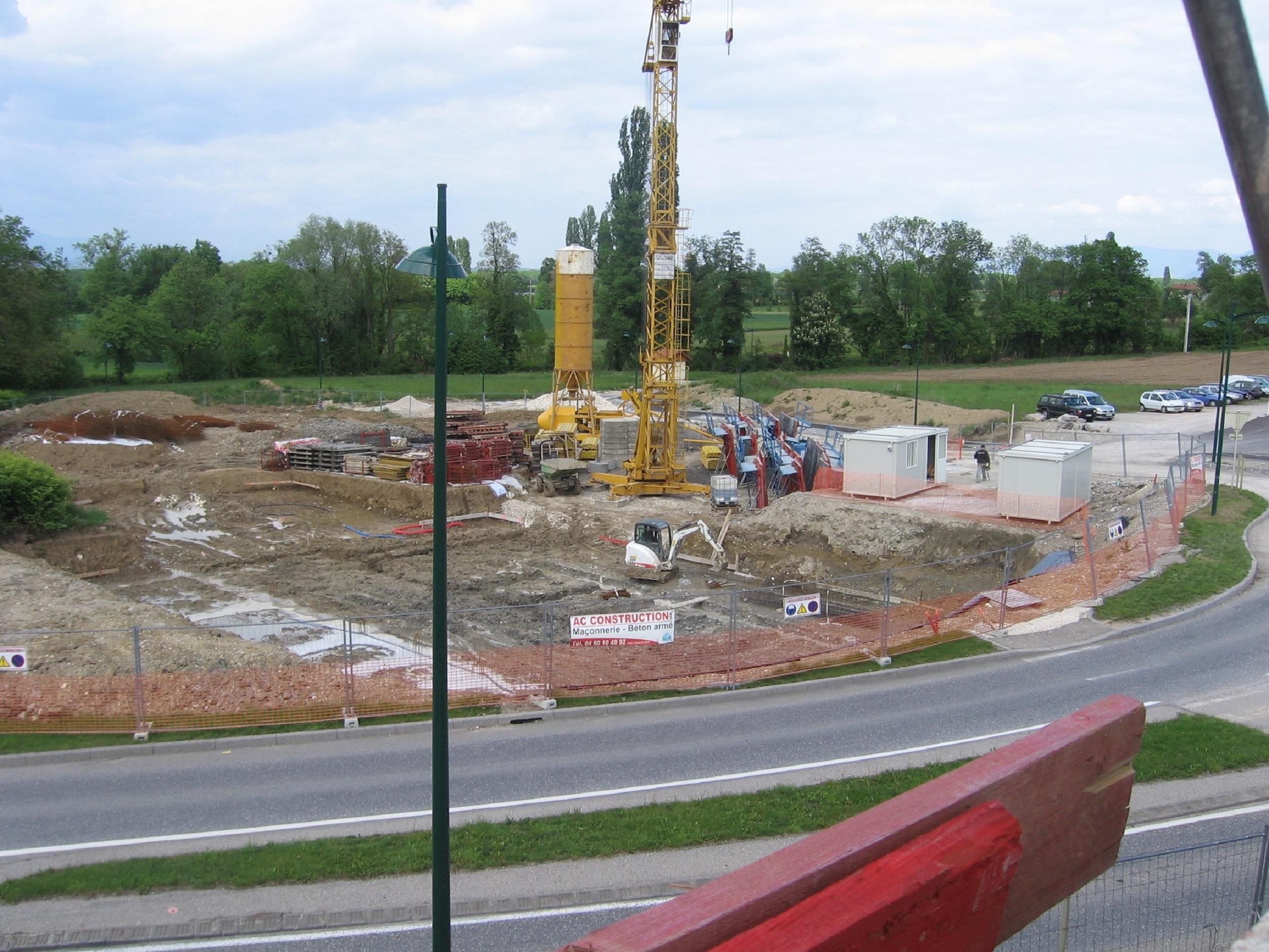 Bâtiment A, Démarrage des fondations